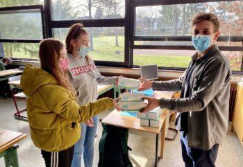 Maskenspende für Schüler der Sophie-von-Harder Schule
